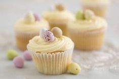 Vanilla Easter Cup Cakes...