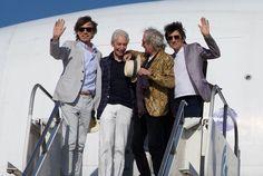 Hola Uruguay! Los Rolling Stones ya están en Montevideo, listos para dar su primer show de la historia aquí! Hello Uruguay! The Rolling Stones are in Montevideo and ready to play their first ever show...