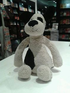 via https://twitter.com/Watermark_Books King's Cross Station, London @Watermark_Books on twitter  This poor chap, a black and beige stuffed dog, was left in the shop this morning. I am sure there is a very upset owner somewhere? pic.twitter.com/Eb2h8RaCOX
