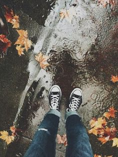15 Fall Aesthetics To Get You Through the School W. - 15 Fall Aesthetics To Get You Through the School W… – Autumn Day, Autumn Leaves, Dark Autumn, Fall Days, Autumn Nature, Autumn Inspiration, Rainy Days, Rainy Night, Fall Halloween