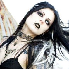 Amazing! Does anyone know her name? / Alternative / Gothic