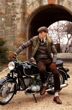 Pinning this for both the clothing choice and the vehicle. Beautiful motorcycle and flat cap is matched by everything else