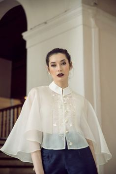 Modern Filipiniana for your everyday wear Barong Tagalog For Women, Modern Filipiniana Gown, Semi Formal Outfits For Women, Debut Dresses, Gala Dresses, Filipino Fashion, Philippine Women, Dress Pesta, Kebaya