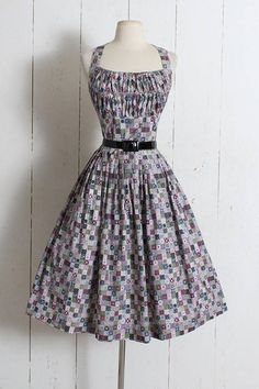 b5dfc45f79bb Vintage 1950s Dress vintage 50s cotton halter scarf print New Look Fashion,  Fashion Styles,