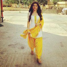 Rubina Dilaik the Beautiful Indian Actress. Salwar Designs, Patiala Suit Designs, Kurti Designs Party Wear, Patiala Suit Wedding, Patiala Salwar Suits, Churidar, Anarkali, Pakistani Dress Design, Pakistani Outfits