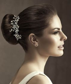 Pronovias präsentiert Ihnen den Kopfschmuck T20-1171 für die Braut. | Pronovias