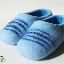 Epla er et nettsted for kjøp og salg av håndlagde og andre unike ting! Felted Wool Slippers, Wool Felt, Shoes, Fashion, Moda, Zapatos, Shoes Outlet, Fashion Styles, Shoe