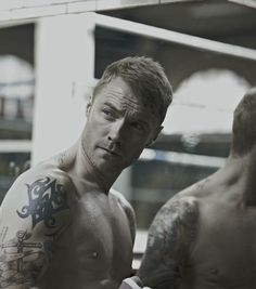 Ronan Keating gets in the ring for steamy calendar shoot as he prepares to release first new solo material in SIX YEARS Beautiful Boys, Gorgeous Men, Beautiful People, No Matter What Lyrics, Ronan Keating, Pop Albums, Irish Singers, Irish Boys, Ideal Man