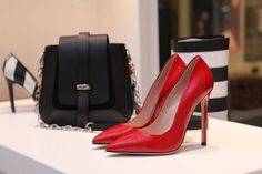 How to wear red stilettos Christian Louboutin, Pumps, Shoes Heels, Red Shoes, College Fashion, Clutch, Shopper, Luxury Fashion, Fashion Trends