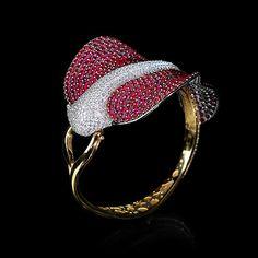 Mousson Atelier, collection Eden - Ocean, bracelet, Yellow gold 750, Rubies 39,97 ct., Diamonds 8,54 ct.