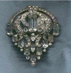 EISENBERG       STERLING  brooch.