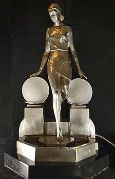Art Deco Figurine Lamp
