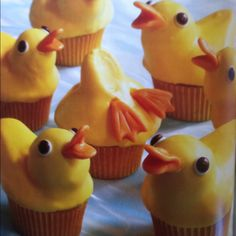 Perfect for rubber duckie themed baby shower Duck Cupcakes, Duck Cake, Cupcake Cookies, National Cupcake Day, Robot Cake, Sweet Cooking, Eat Dessert First, Pretty Cakes, Cute Food