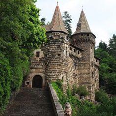 timbradohb:  chateau rochelambert. auvergne. pays en Velay by Hervé Bois on EyeEm