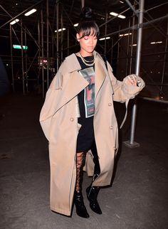 Rihanna Rihanna Fan, Rihanna Looks, Rihanna Street Style, Rihanna Outfits, Bad Gal, Urban Chic, Fashion Killa, Fashion Beauty, Autumn Winter Fashion