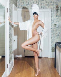 Naomi Smalls, Legs Huges