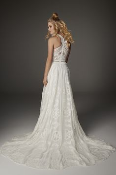 Raven by Rue De Seine available at The Bridal Atelier www.thebridalatelier.com.au @thebridalatelier #sheisthebridalatelierbride