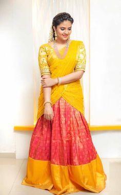 Television Anchor SreeMukhi In Indian Traditional Yellow Lehenga Choli - Tollywood Stars Beautiful Saree, Beautiful Indian Actress, Beautiful Actresses, Beautiful Women, Simply Beautiful, Half Saree Designs, Blouse Designs, Half Saree Lehenga, Sari