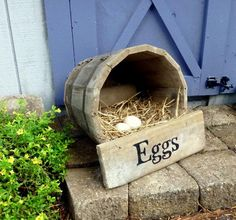 1.Why not give your chickens a secure and pleasant area to lay eggs with these DIY projects for chicken nesting containers. Simply with materials laying around in your own home you can spend less making these nesting containers. 2.Wooden...