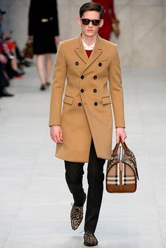 Burberry Prorsum Fall 2013:Trench Kisses