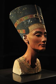 Archaeologist believes he may have found remains of ancient Egyptian queen Nefertiti — hidden in King Tut's tomb