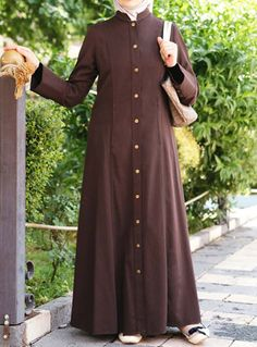 With their timeless cuts and elegant styles, SHUKR's coats and jilbabs are a sophisticated and traditional addition to your Islamic wardrobe. Moslem Fashion, Niqab Fashion, Modest Fashion Hijab, Women's Fashion Dresses, Maxi Shirt Dress, Hijab Dress, Muslim Long Dress, Modele Hijab, Mode Abaya