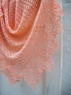 Dahlia shawl | Flickr - Photo Sharing!  So delicate.
