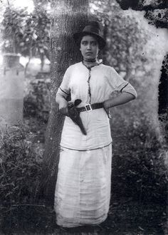 Mujer revolucionaria, 1914, Archivo Casasola