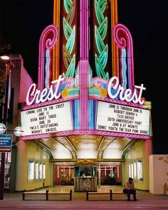 Retro cinema architecture: Crest Theater in Sacramento, CA by photographer Stefanie Klavens -Watch Free Latest Movies Online on Cinema 4d, Cinema Theatre, Cinema Party, Cinema Ticket, Cinema Room, Drive In, Vintage Movie Theater, Vintage Movies, Cinema Architecture