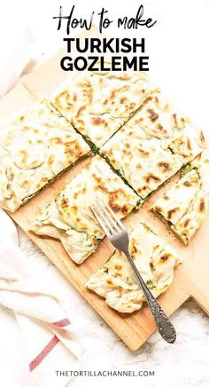 Looking for a tasty lunch or dinner? Try this gozleme with spinach and feta recipe. This Turkish flatbread is unleavened so done in no time and so tasty! Turkish Recipes, Greek Recipes, Romanian Recipes, Scottish Recipes, Gozleme Recipe, Turkish Flat Bread, Pastry Dishes, Pastry Chef, Ground Beef Stews
