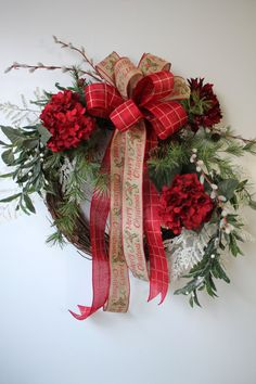 Red Christmas Wreath, Holiday Decor, Wreath for Door, Hydrangea Wreath, Christmas Wreath, Merry Christmas Bow, Holiday Wreath, Free Shipping