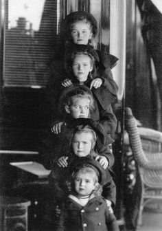 romanovdreams:  The children of Nicholas II: Olga, Tatiana, Maria, Anastasia and Alexei, ca. 1907.