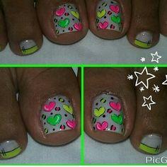 ♥ Toe Nail Designs, Cute Nail Art, Acrylic Nail Art, Natural Nails, Toe Nails, Triangles, Hair And Nails, Heart Nails, Glow Nails