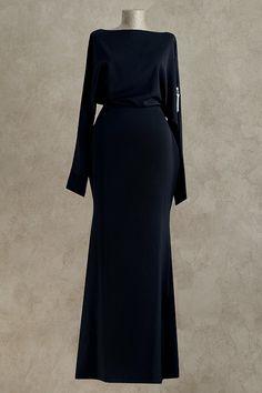 Вечернее платье: 2011А - http://vbelom.ru/catalog/vechernee-plate-2011a/ Экстравагантное длинное вечернее платье.  Роскошная модель с рукавами-летучая мышь, которые дополнены молнией с декоративным бегунком. Нарочитые бедра добавляют женственности формам. Модницы по-настоящему оцен�