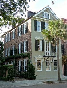 Rainbow Row house Charleston via Quintessence. Paint colors paired w brick. Charleston Style, Charleston Homes, Beautiful Architecture, Architecture Details, Colonial Architecture, Brick Siding, Southern Homes, House Goals, Historic Homes