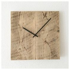Klok van steigerhout gemaakt en te koop bij Soet&Co.