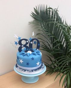 My Father in laws 80th birthday cake deserved to be something extra special, so being time limited, I commissioned my favourite baker Julie Lomas @jlcakes to come up with this little beauty.