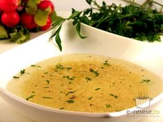 Supa de pui cu taietei Cheeseburger Chowder, Good Food, Meals, Cooking, Ethnic Recipes, Meal Ideas, Kitchen, Meal, Food