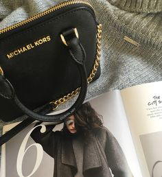 New in from MK - Welcome Cindy!  Michael Kors Jet Set, My Photos, Bags, Fashion, Handbags, Moda, La Mode, Dime Bags, Fasion