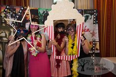 Detalles de cine en madera para la boda de Maru