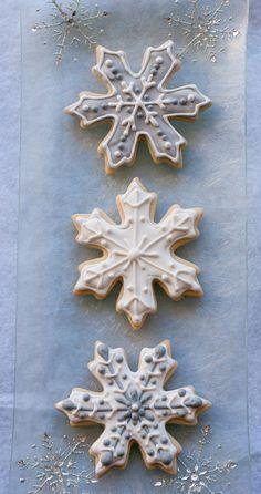 Snowflake Sugar Cookies for #BloggersforSandyHook http://Pineappleandcoconut.com