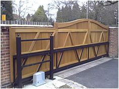 How to make a wooden sliding driveway gate. page 1