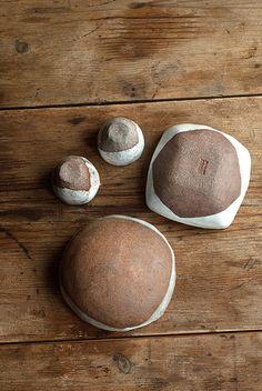 Rustic Ceramic Sake Cups and Square Bowl (by nomliving.com)
