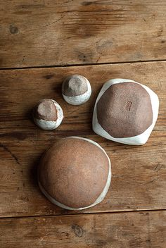 Rustic Ceramic Sake Cups and Square Bowl (by nomliving.com)