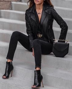 girls night out outfit ideas ~ girls night in party ideas ; girls night out outfit ideas ; girls night in ; girls night in party ideas food ; girls night out outfit ideas winter ; girls night out Mode Outfits, Casual Outfits, Clubbing Outfits, Classy Outfits, Rock Chic Outfits, Chic Black Outfits, City Outfits, Casual Dresses, Super Moda