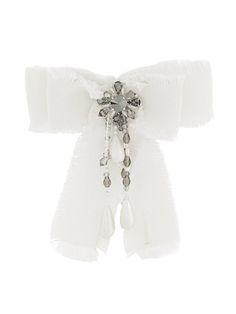 GUCCI embellished bow brooch. #gucci #brooch