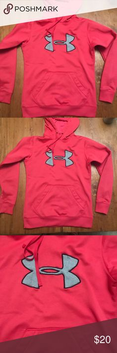Women's Under Armour hoodie!! Worn twice. In good condition. Has been washed. Bundle and save!!! Everything in my closet is B1G1 Free of equal or lesser value!!! Under Armour Tops Sweatshirts & Hoodies