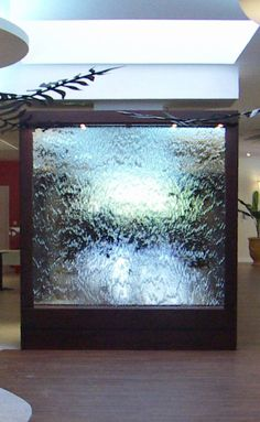 Murs d'eau... Lames d'eau.... Dalles d'eau... Fontaines à bulles... : www.HighTechDiffusion.com