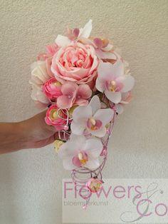 orchidee en roos