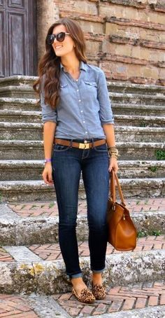 Denim is an essential dress for ladies to increase individual appearance, explore a collection of fall outfit ideas with denim shirts for women to look elegant & stylish Mode Outfits, Fall Outfits, Summer Outfits, Casual Outfits, Fashion Outfits, Womens Jeans Outfits, Blue Jeans Outfit Summer, Jeans Outfit For Work, Leather Outfits